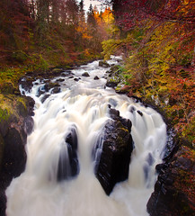 The Hermitage - The Classic Falls Shot! (captures.in.time) Tags: landscape landscapephotography photography land scape water waterfall torrent flow river rivers rocks rock blue green tree forrest forest canon canonphotography polariser 09nd lseries 1740 countryside nationalpark wildlife patterns longexposure le perthshire perth autumn fall hermitage braan