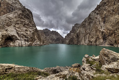 Kel Suu (Joost10000) Tags: kyrgyzstan asia lake kelsuu narynoblast narynprovince mountains tienshan wild wilderness outdoors atbashi district green alpine nature travel silkroad canon eos canon5d centralasia