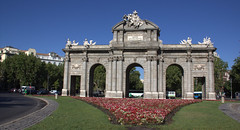 Puerta de Alcala,Madrid (gilmavargas480) Tags: spain espana europa españa puertadealcala viejomadrid