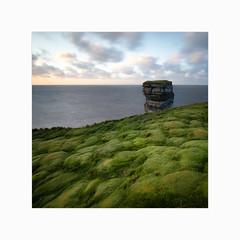 Dún Briste (Frans van Hoogstraten) Tags: sligo seastack grass ireland mayo dúnbriste still downpatrickhead