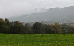 Jaizkibel entre la niebla (eitb.eus) Tags: eitbcom 16599 g1 tiemponaturaleza tiempon2019 monte gipuzkoa hondarribia josemariavega