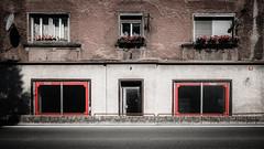 Coca cola window (vale0065) Tags: red rood reflectie reflection advertentie adverteren advertisment drink drank shop store window shopwindow flowerpot reclame slovenia slovenië zidanimost village city dorp stad cocacola coke cola