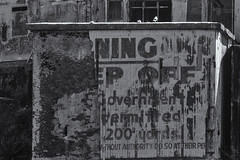 Keep Off (michael_hamburg69) Tags: warning keepoff alcatraz san francisco usa america amerika westküste west coast city monochrome island insel jail prison gefängnis museum sign schild zutrittverboten california kalifornien