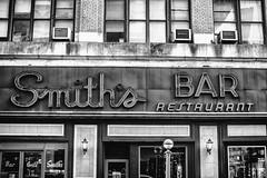 Smith's Bar (Thomas Hawk) Tags: america manhattan nyc newyork newyorkcity smiths smithsbar smithsbarrestaurant usa unitedstates unitedstatesofamerica bw neon neonsign restaurant fav10