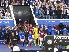 Teams enter the pitch (lcfcian1) Tags: leicester city burnley fc king power stadium epl bpl premier league premierleague leicestercity burnleyfc kingpowerstadium sport football england leicestervburnley sports footy players