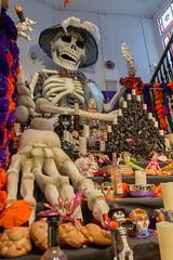 Mega Altar de Día de muertos en la casa de México en España (Pablo Rodriguez M) Tags: casademéxicoenespaña madrid españa spain altar díademuertos dayofthedead ofrenda catrina