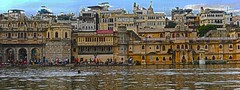 Udaipur Lake Tour DSC_5609 (JKIESECKER) Tags: cityscenes citylife cityscapes citystreets city water lakes swimming india rajasthan udaipur historicalbuilding