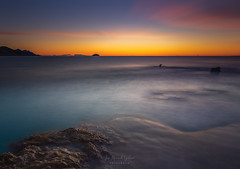 One minute to dawn (sampler1977) Tags: dawn sunrise amanecer leverdusoleil playa plage beah rocks roca rochers ocean pauselongue longexposure haida november fall