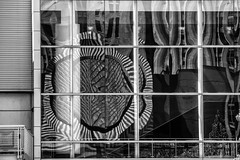 Big Window (michael_hamburg69) Tags: monochrome sanfrancisco usa america amerika westküste west coast city moma museumofmodernart detail san francisco window spiegelung reflexion reflection fenster