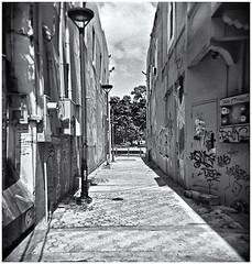 Lomography (Black and White Fine Art) Tags: holga holga120n plasticcamera camaraplastica toycamera camaradejuguete kodakbw400cnexp2007 kodakd76 sanjuan oldsanjuan viejosanjuan puertorico bn bw niksilverefexpro2 lightroom3