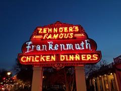 Zehnder's (army.arch) Tags: frankenmuth michigan mi zehnders neon restaurant sign evening night city