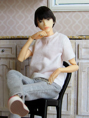 Pensive (back2s0ul) Tags: eight 16 male doll japanese petworks momoko teenager b1908 六分の一男子図鑑 エイト sixth one