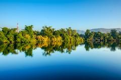 Morning on the river Kwae Yai in Kanchanaburi, Thailand (UweBKK (α 77 on )) Tags: kanchanaburi province thailand southeast asia sony alpha 550 dslr river stream kwae kwai riverkwai water flow reflection nature outdoors scene scenic scenery landscape landschaft yai kwaeyai tree