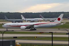 80-1111 (JBoulin94) Tags: 801111 japanairforce airforce boeing 777300er washington dulles international airport iad kiad usa virginia va john boulin