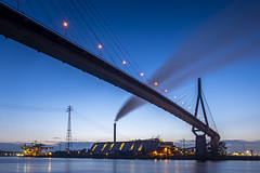 Köhlbrandbrücke - Blue Hour (with making of) (Duke.Box) Tags: sony sonya7iii sonyzeiss1635mmf4 zeiss hamburg bluehour blauestunde bridges
