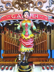 Wooden statuette, Amersham Organ Museum (Snapshooter46) Tags: fairground organmuseum amersham buckinghamshire woodenstatuette decorative colourful mechanicalmusic