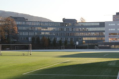 Sol & rim -|- Sunlight & frost (erlingsi) Tags: årstad stadion bergen kusntgras fotball hordaland årstadvideregåendeskole sunlight sollys kaldt