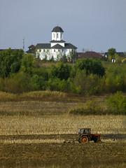 Lucrări de toamnă (Dumby) Tags: landscape ilfov românia rural outdoor autumn church fall