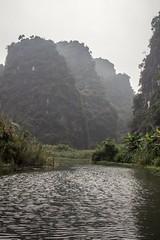 Las tres rocas (rraass70) Tags: canon d700 rio agua ninbinh deltadelriorojo vietnam