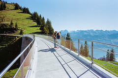 Enjoying the panoramic view (titan3025) Tags: leica leicam6 m6 kodak portra portra400 rigi scheidegg panoramaweg schweiz switzrland 2019