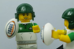 minifigure - series 19 (Elisabeth patchwork) Tags: lego minifigures series19 rugby reflection