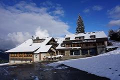 DSC05208 (Bergwandern Alpen) Tags: alpen alps bergwandern hiking toggenburg obertoggenburg sellamatt berggasthaussellamatt berggasthaus wintereinbruch neuschnee schnee snow wolken wolkenspiel clouds
