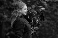 The Eagle | Friends 'n Fellows (picsessionphotoarts) Tags: nikon nikonphotography nikonfotografie nikond850 norddeutschland afsnikkor200500mmf56eedvr tierfotografie animalphotography inthefields countrysidelife seeadler seaeagle falknerei falconry blackandwhite schwarzweiss woman adler portraitphotography