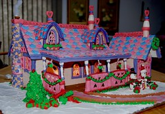 2007 Gingerbread house! (ineedathis, Everyday I get up, it's a great day!) Tags: 2007gingerbreadhouse christmas gumpaste sugarcraft miniature modeling disneyworld baking house nikond80 snow hearts path carolers gifts christmastree love