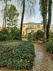 Villa Wahnfried (Christine Wagner) Tags: villawahnfried wahnfried grabrichardwagner richardwagner bayrreuth bayern franken deutschland germany