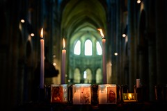 Sunday Lights (NathalieSt) Tags: europe france hautsdefrance hybrid nikon nikonz6 nikonpassion nikonphotography noyon oise picardie z6 candles cierges bokeh