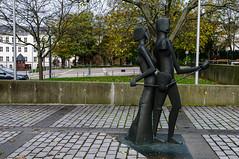 Skulptur Fraunhoferinstitut (kavo2013) Tags: darmstadt hessen deutschland