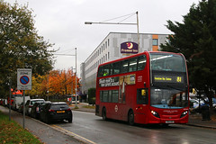 SN62 BZE, Bath Road, Longford, October 26th 2017 (Southsea_Matt) Tags: sn62bze ade40444 route81 londonunited alexanderdennis enviro400 adl e400 bus omnibus passengertravel publictransport october 2017 autumn canon 80d unitedkingdom greaterlondon england londonheathrow longford bathroad