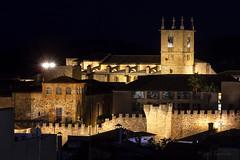 Ciudad monumental de Cáceres (España) (mibagui22) Tags: ciudad cáceres extremadura españa patrimoniohumanidad muralla nocturna palacios catedral ciudadmonumental