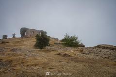 Disolverse en la niebla (SantiMB.Photos) Tags: 2blog 2tumblr 2ig lamussara vilaplana tarragona verano summer baixcamp ruinas ruins niebla mist cataluna españa