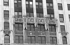 A/C (Alex Luyckx) Tags: chicago illinois downtown urban city loop details architecture cta buildings fall vacation trip minolta minoltamaxxum9 maxxum9 slr 135 35mm minoltamaxxumafmacro100mm128 macodirect rollei rolleirpx400 rpx400 asa320 photographersformulary pyrocathd 11100 nikoncoolscanved adobephotoshopcc bw blackwhite film filmphotography believeinfilm filmisalive filmisnotdead