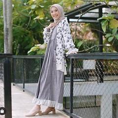 Shop Alaya at www.hijup.com/eclemix (eclemix) Tags: hijab fashion ootd localbrandindonesia localbrand eclemix bandung