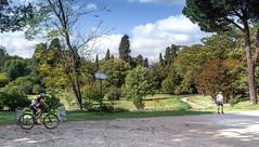 Parco Villa Pamphilj (Ludo Silvagni) Tags: villadoriapamphilj villapanphili park parco rome viaaureliaantica nature sky nuvole ciclista people alberi