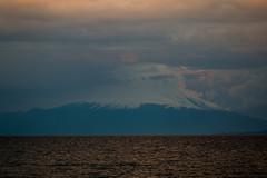 Volcán Osorno, Lago Llanquihué (José Rambaud) Tags: volcano volcan puertonatales chile andes andesrange nubes clouds cloudscape cloudy cloud cloudsstormssunsetssunrises winter osorno volcanosorno