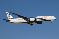 4X-EDM (Ian.Older) Tags: 4xedm boeing 787 7879 dreamliner ly315 heathrow elal israel jerusalem gold civil airliner commercial aviation passenger aircraft 38783