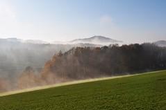 Nebelschwaden (Uli He - Fotofee) Tags: ulrike ulrikehe uli ulihe hergerthergertnikonnikon d90fotofeerhönnebelnovember2019herbstplätzerpoppenhausenrund um poppenhausen