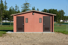 Red Earth Creek Public Washroom (Bracus Triticum) Tags: red earth creek public washroom アルバータ州 alberta canada カナダ 8月 八月 葉月 hachigatsu hazuki leafmonth 2019 reiwa summer august