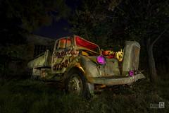 Clasicos de la noche (Iluminati) (JoseQ.) Tags: camion luces nocturna lightpainting ejercito noche oscuridad iluminar light vehiculo transporte chatarra