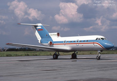 Yakovlev Yak-40 RA-87524 (www.mikebarthphotography.com 2M Views thanks !) Tags: yakovlev yak40