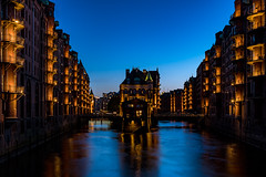 Water castle at the blue hour (photonomie.de) Tags: wasserschloss hamburg 040 hh speicherstadt weltkulturerbe elbe