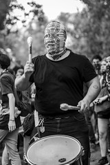 Ciego de rabia, Santiago de Chile furioso (Mario Rivera Cayupi) Tags: streetphotography fotografíadecalle fotografíacallejera streetphotographyinchile santiagodechile blancoynegro blackandwhite bw sigmaartlens lentesigmaserieart sigma50mmf14 50mmf14shooter