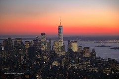 New York ... tramonto dall'Empire State Building (alberto borella) Tags: grattacieli tramonto empirestatebuilding newyork sunset manhattan