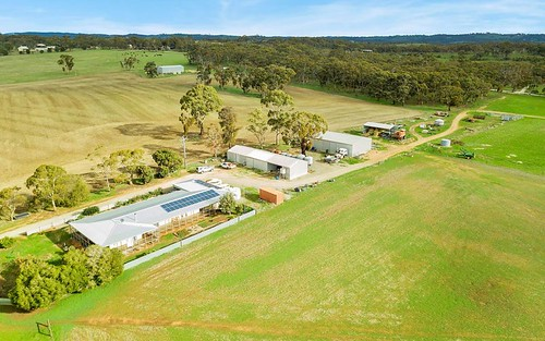 503 White Hut Road, Clare SA 5453