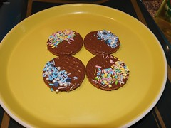 PIMP MY BISCUIT WITH SPRINKLES (garydavidworthington) Tags: liverpool food biscuits chocolate oaties lidl plate yellow brown banjosandwitch blue rainbow sprinkles smileonsaturday art artistic fun photography new nikonb700 nikon habitat cooking four handcrafted home garydavidworthington unicorn mermaid confetti treasure droetker pimped pimp object hobnobs