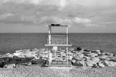 La Mer - Nice (France) - October 2019 (cava961) Tags: nice france analogue analogico monochrome monocromo bianconero bw canon foma400