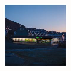 Grocery store (Thorir Vidar) Tags: landås tse45mmf28 bergen hordaland norway thorir1911104306st2 grocerystore